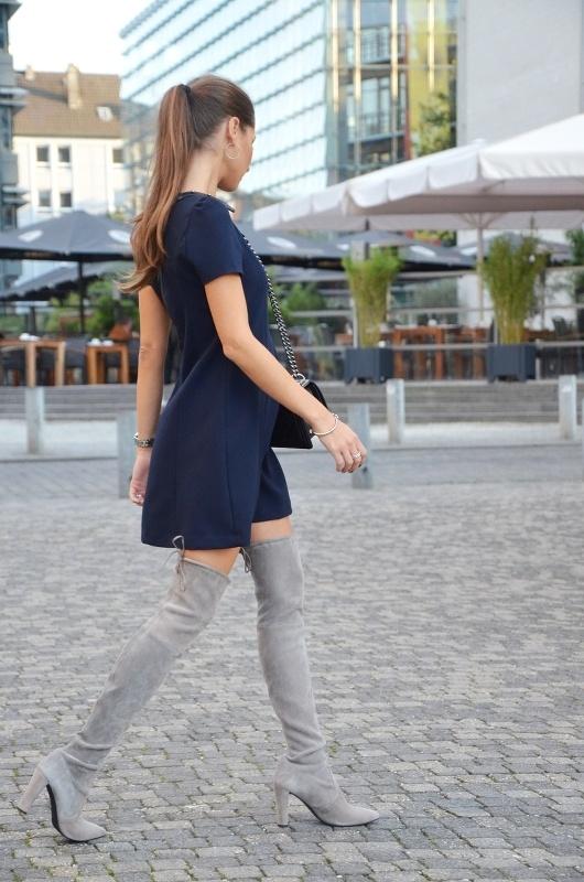 overknees und kleid