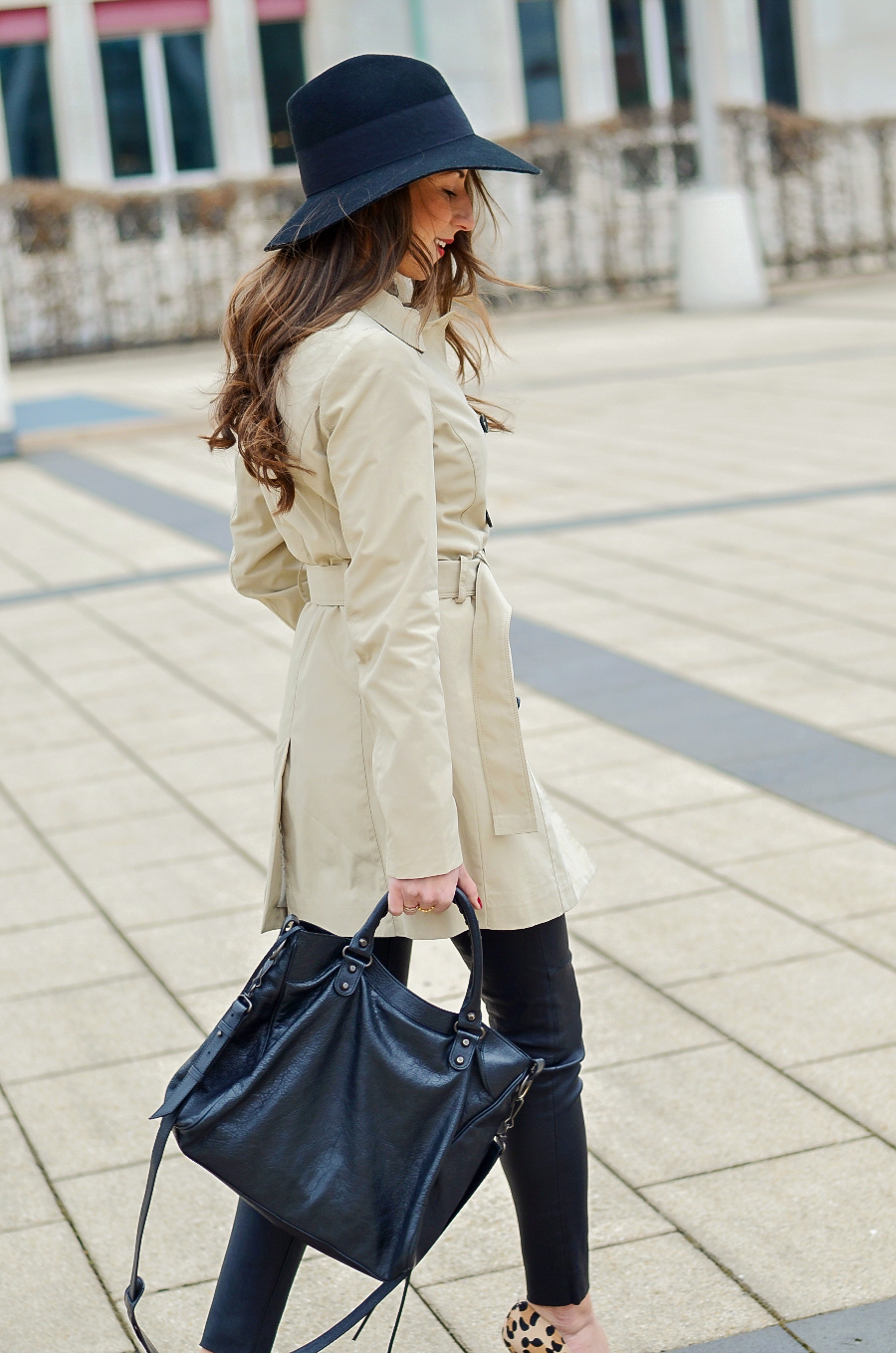 trenchcoat outfit style fashionblog
