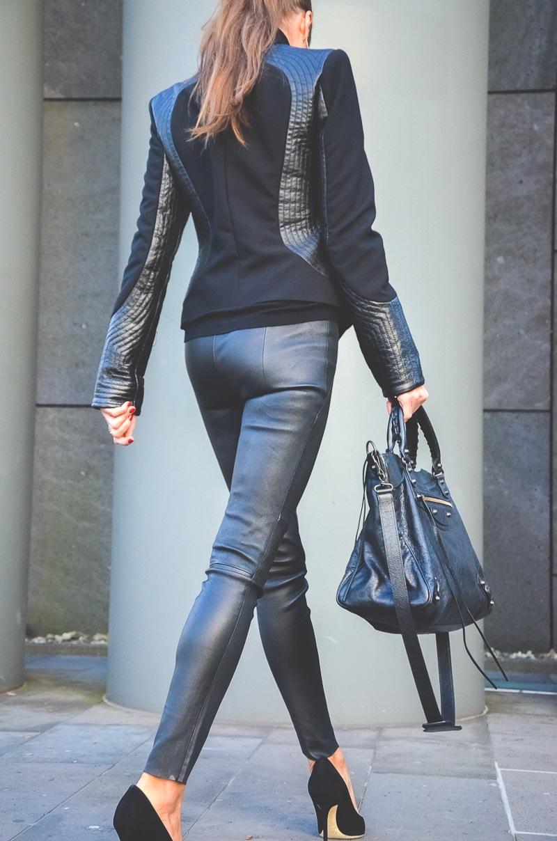 Klare_Linien_Zara_Lederhose_Balenciaga_Tasche_Bikerjacke_Dior_Pumps_schwarz_Blog 2