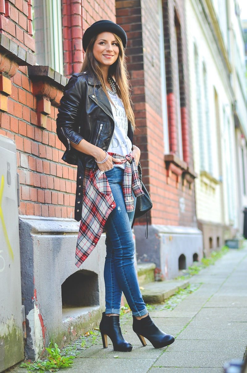 OTTO_Casual_Outfit_Lederjacke_Jeans_Boots_Hut_Shirt 5