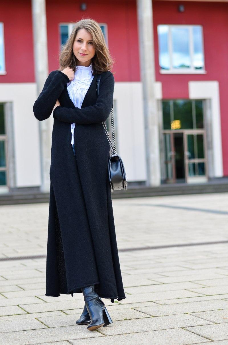 Outfit langer schwarzer Maxi Cardigan von Stefanel 4