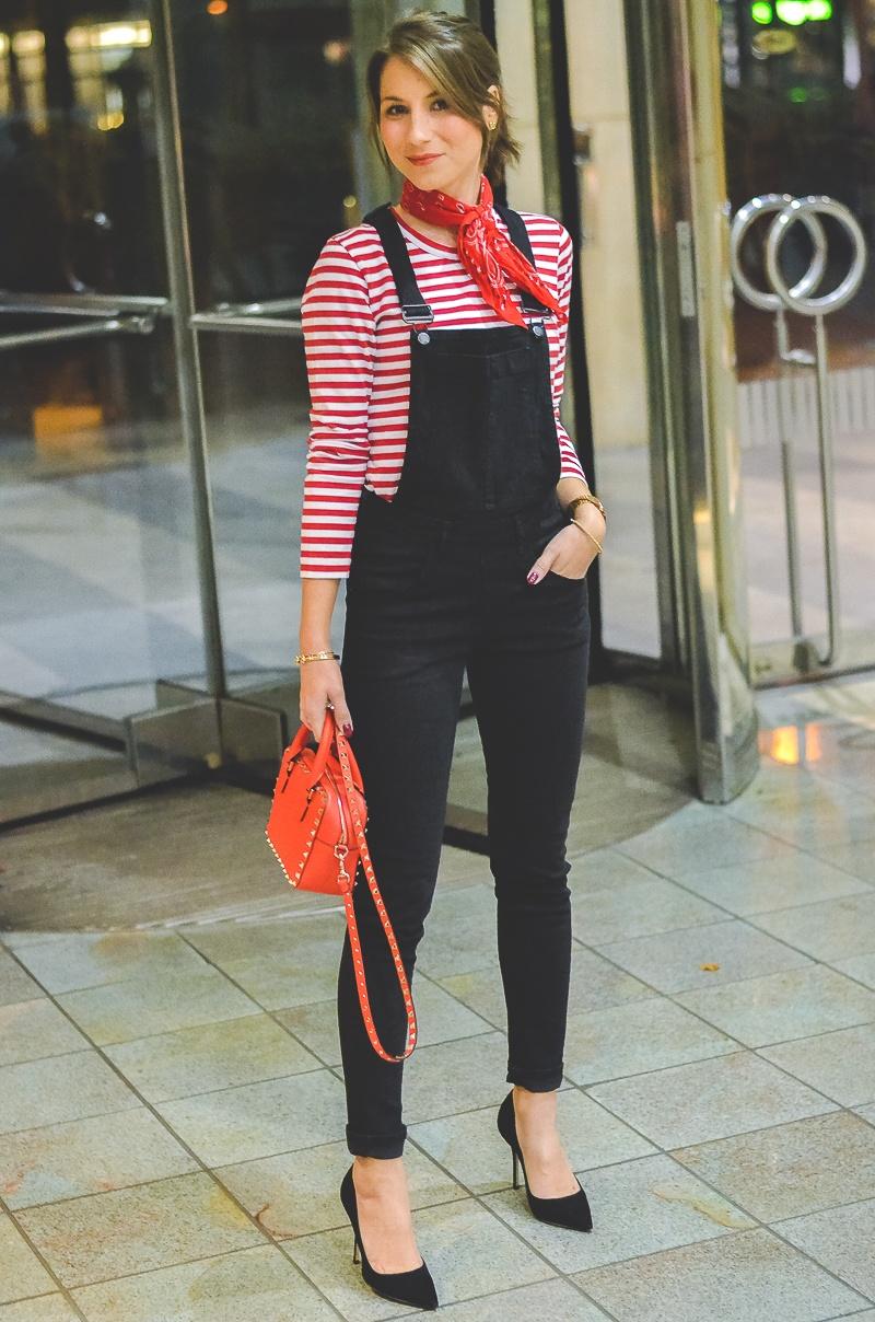 Outfit schwarze Skinny Latzhose , Pumps , Halstuch , Banana, rot , weiss , gestreift , shirt , Valentino , tasche 9