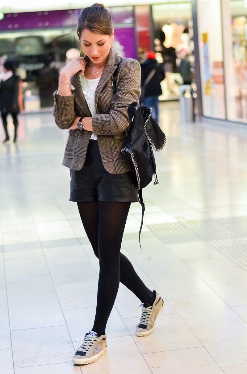 Outfit-Jades-Golden-Goose-Sneakers-Shorts-Blazer-Strumpfhose-Herbst (3 ...
