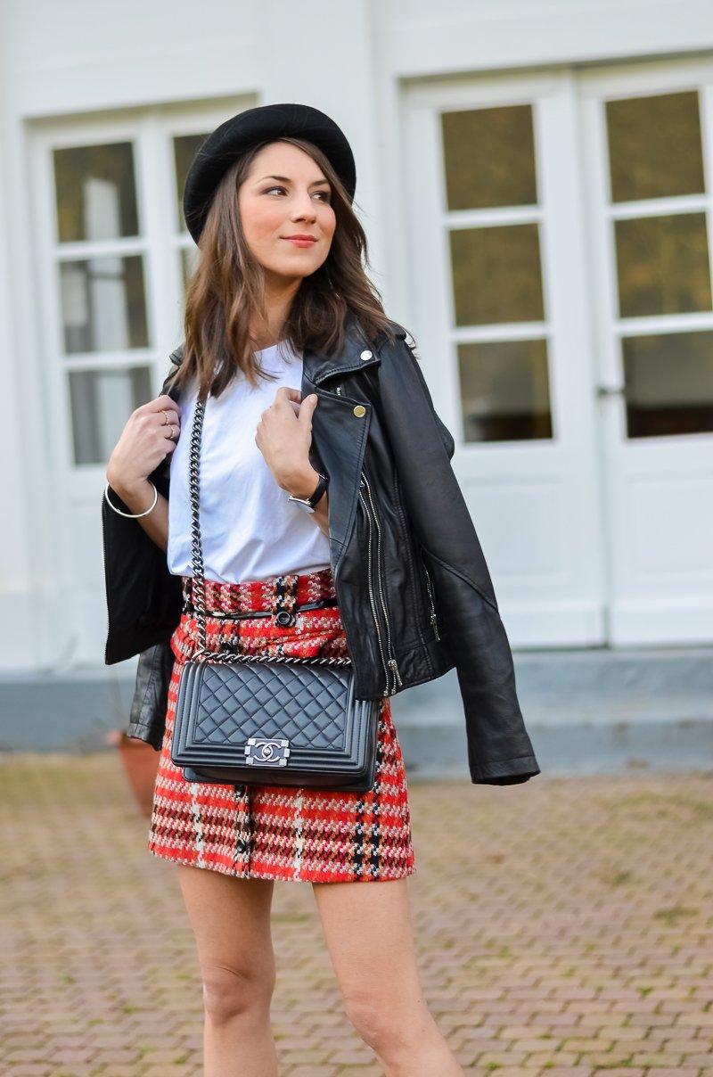 Outfit , Topshop , karierter Rock , Lederjacke , Shirt , Ankle Boots 6