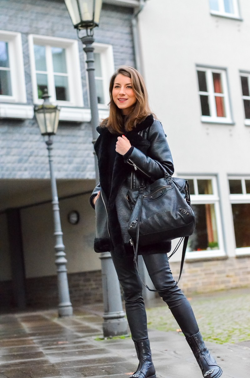 outfit shearling jacke meine bling bling combat boots v j du modeblog aus deutschland. Black Bedroom Furniture Sets. Home Design Ideas
