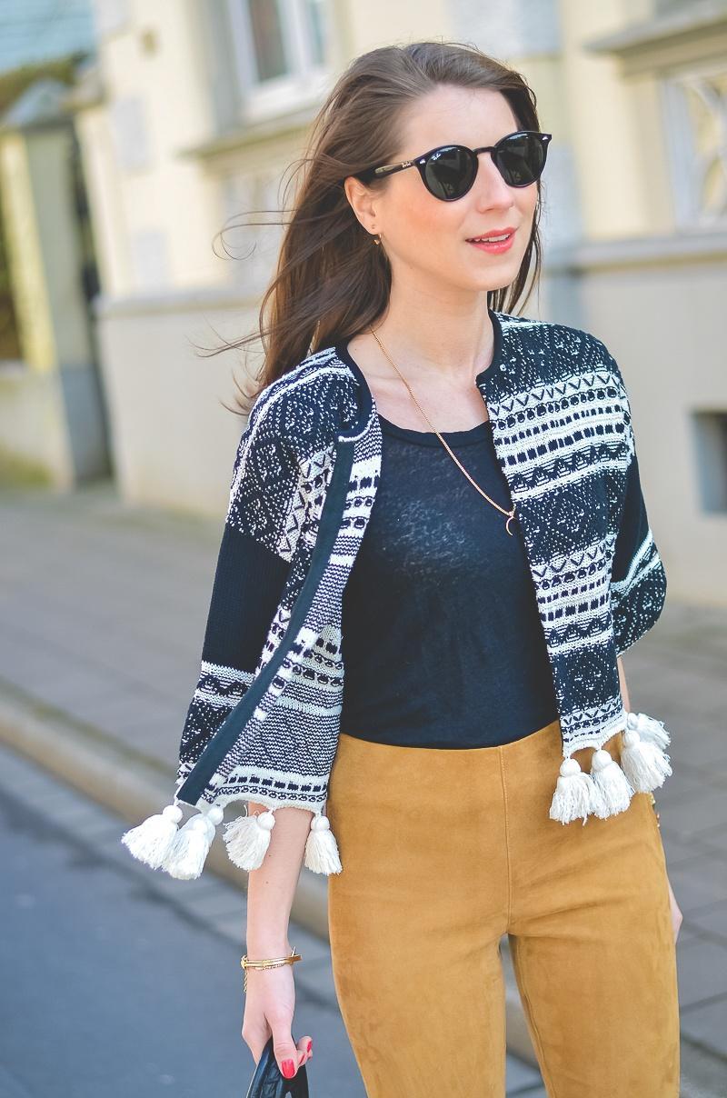 Outfit-Ethno-look-Cardigan-Braune-Lederhose-Pumps-Schlangenleder-Optik (13 von 19)
