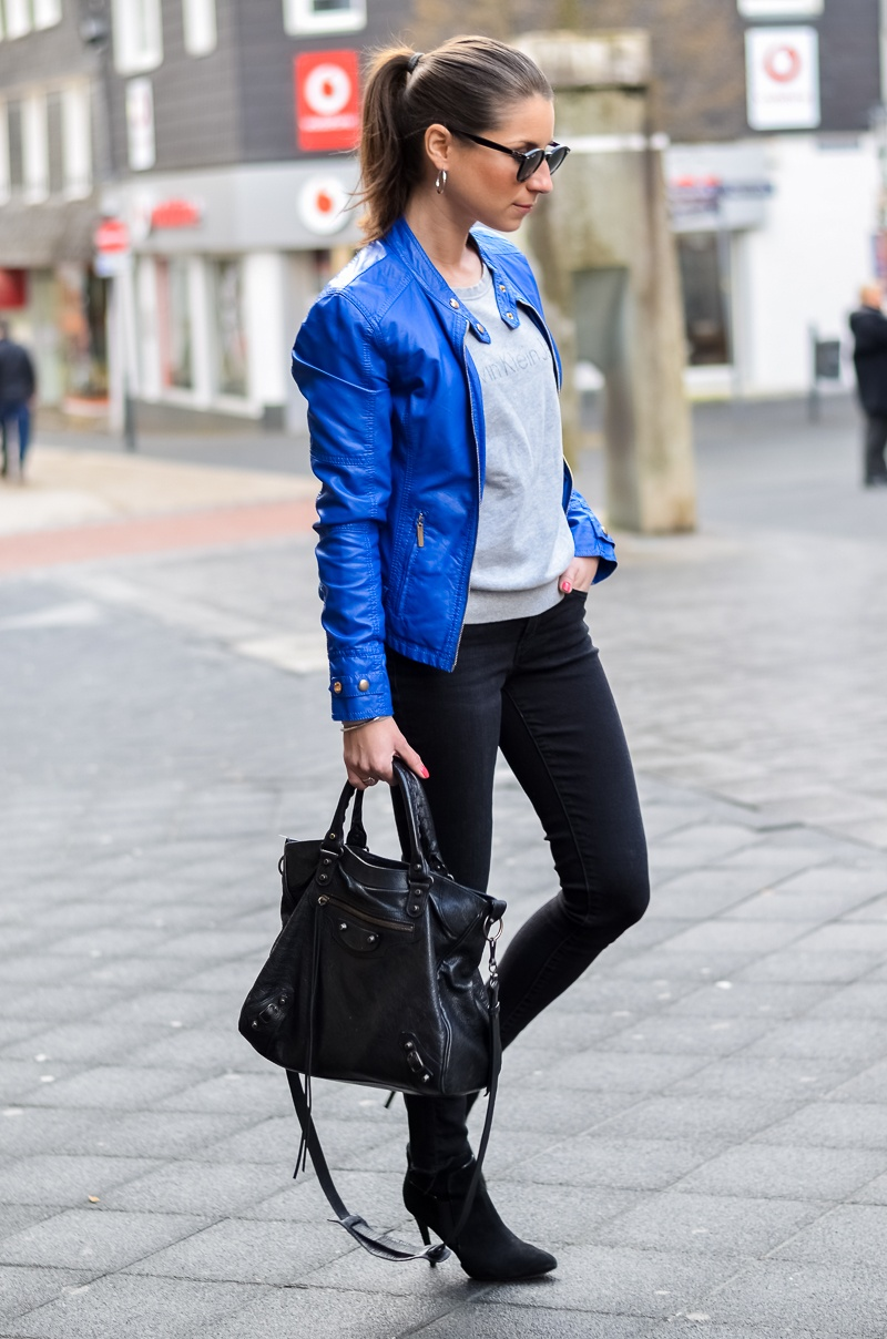 OUTFIT: ELECTRIC BLUE