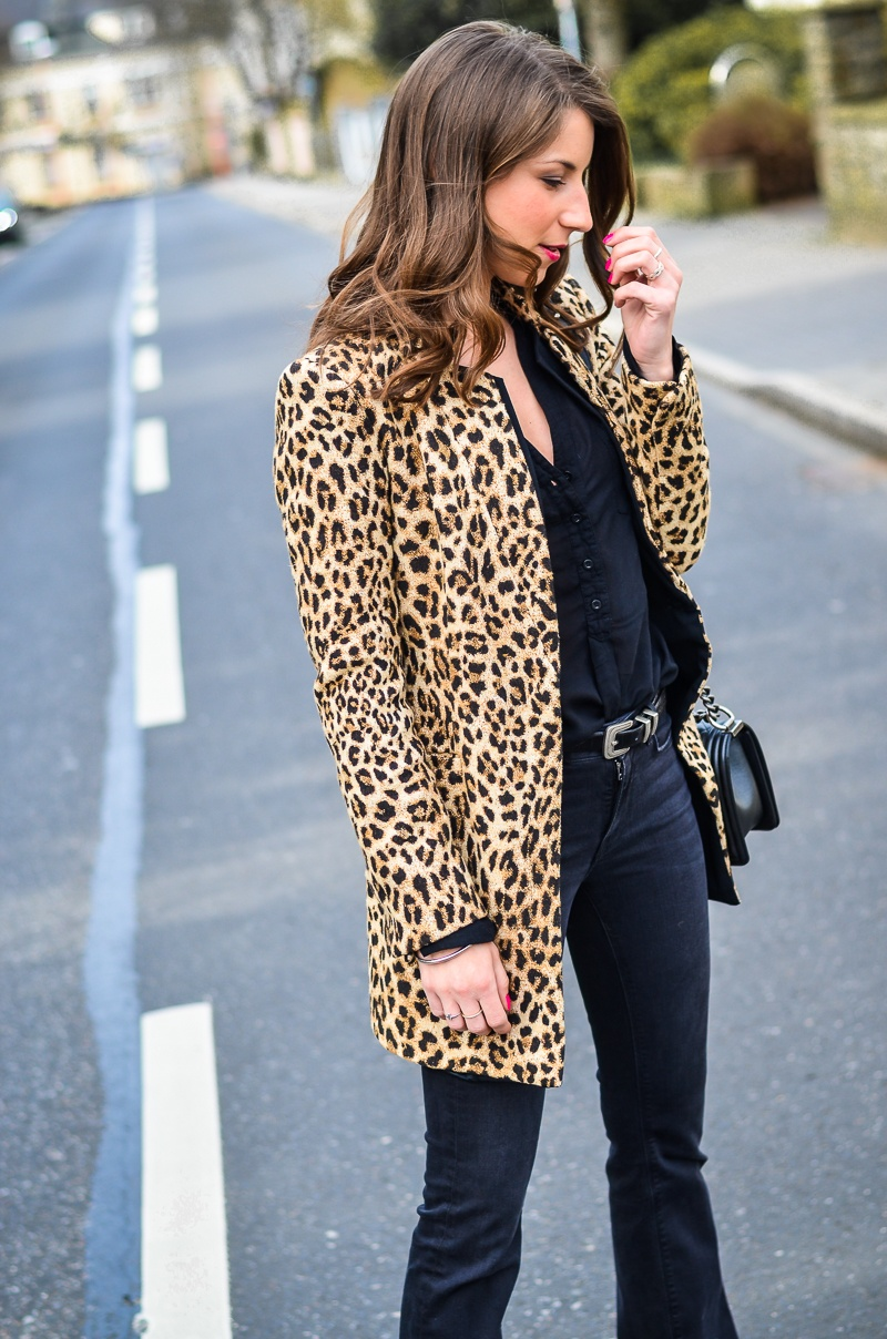 How-to-wear-leopard-print-all-black (1 von 19)