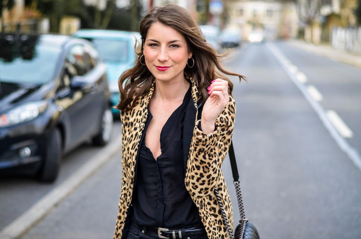 How-to-wear-leopard-print-all-black (12 von 19)