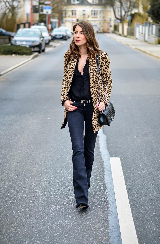 How-to-wear-leopard-print-all-black (18 von 19)