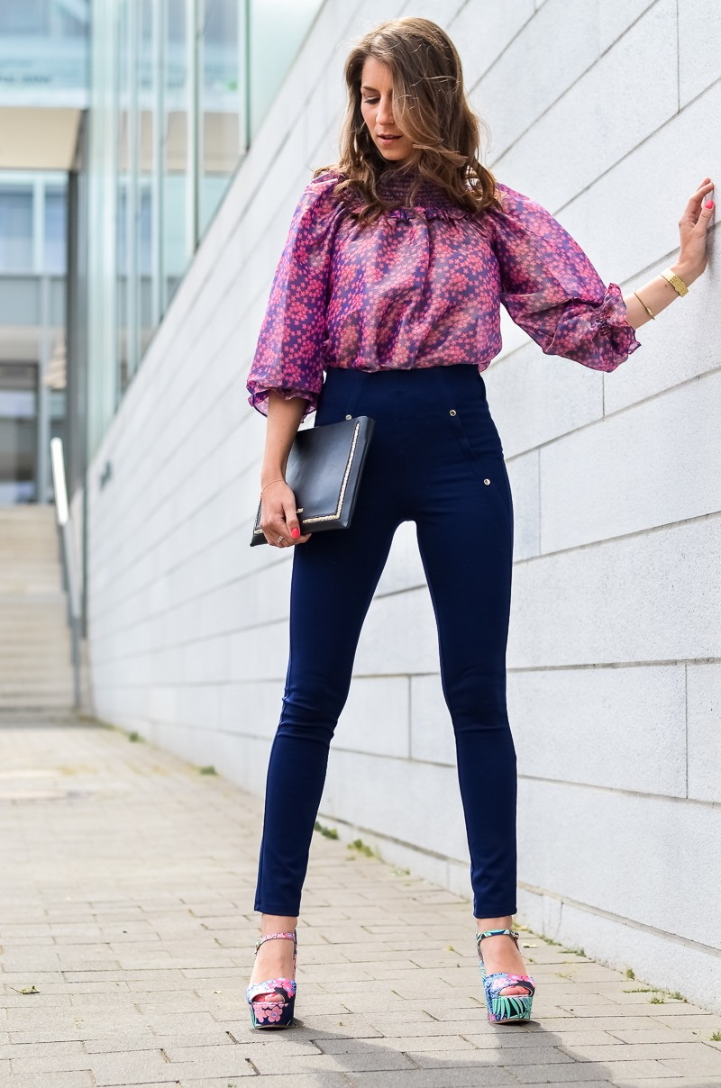 manoush , off shoulder , bluse , sommer , sandalen , patrizia pepe , leggings 8