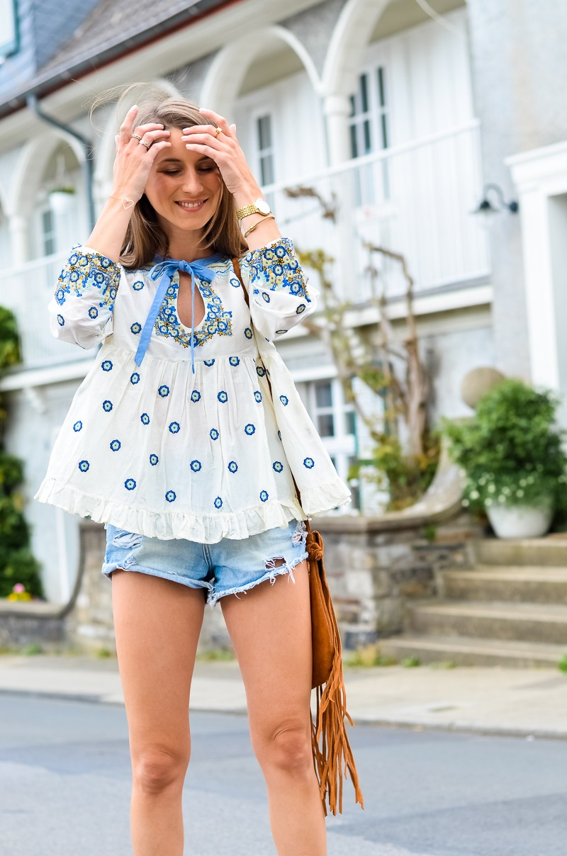 Outfit , Manoush, Tunika , Bluse , Jeans , Shorts , kombinieren , Fransentasche 10