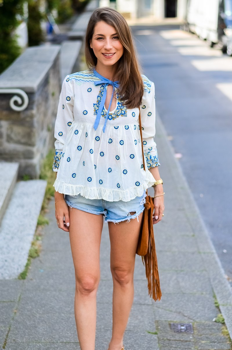 Outfit , Manoush, Tunika , Bluse , Jeans , Shorts , kombinieren , Fransentasche 8