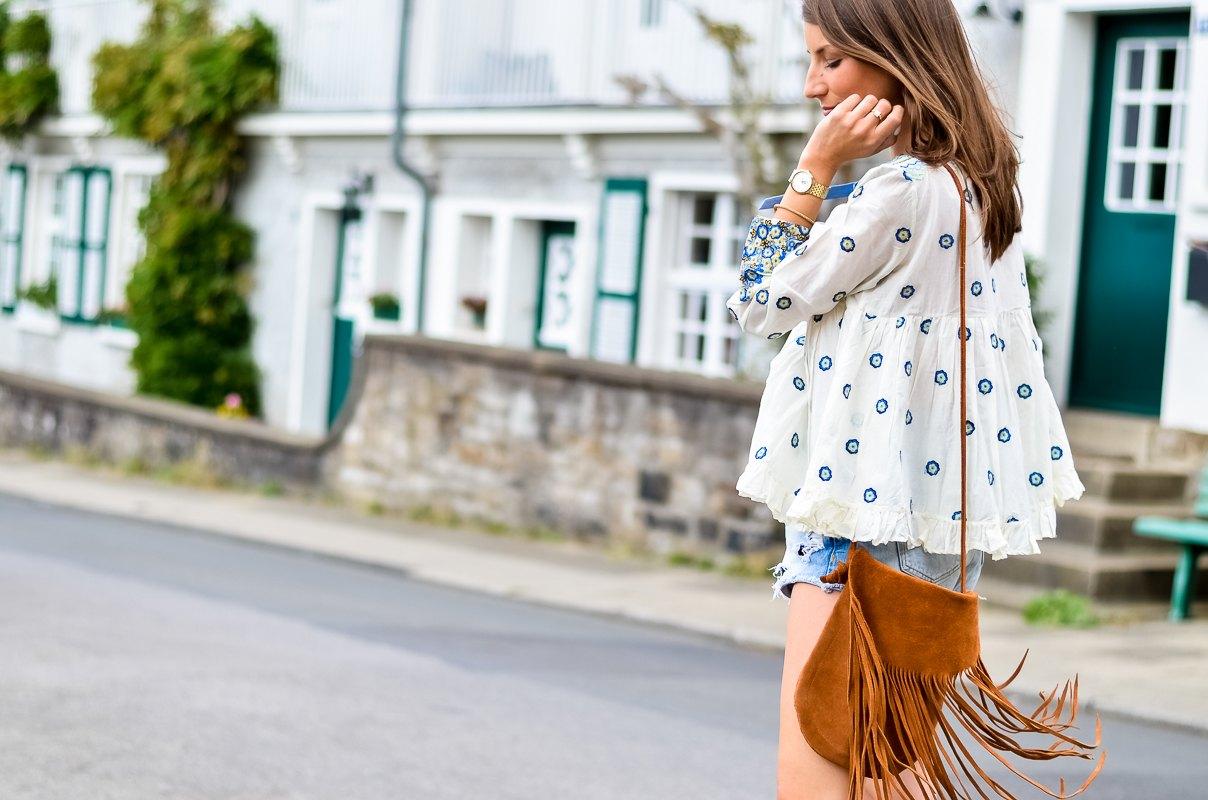 Outfit , Manoush, Tunika , Bluse , Jeans , Shorts , kombinieren , Fransentasche 11