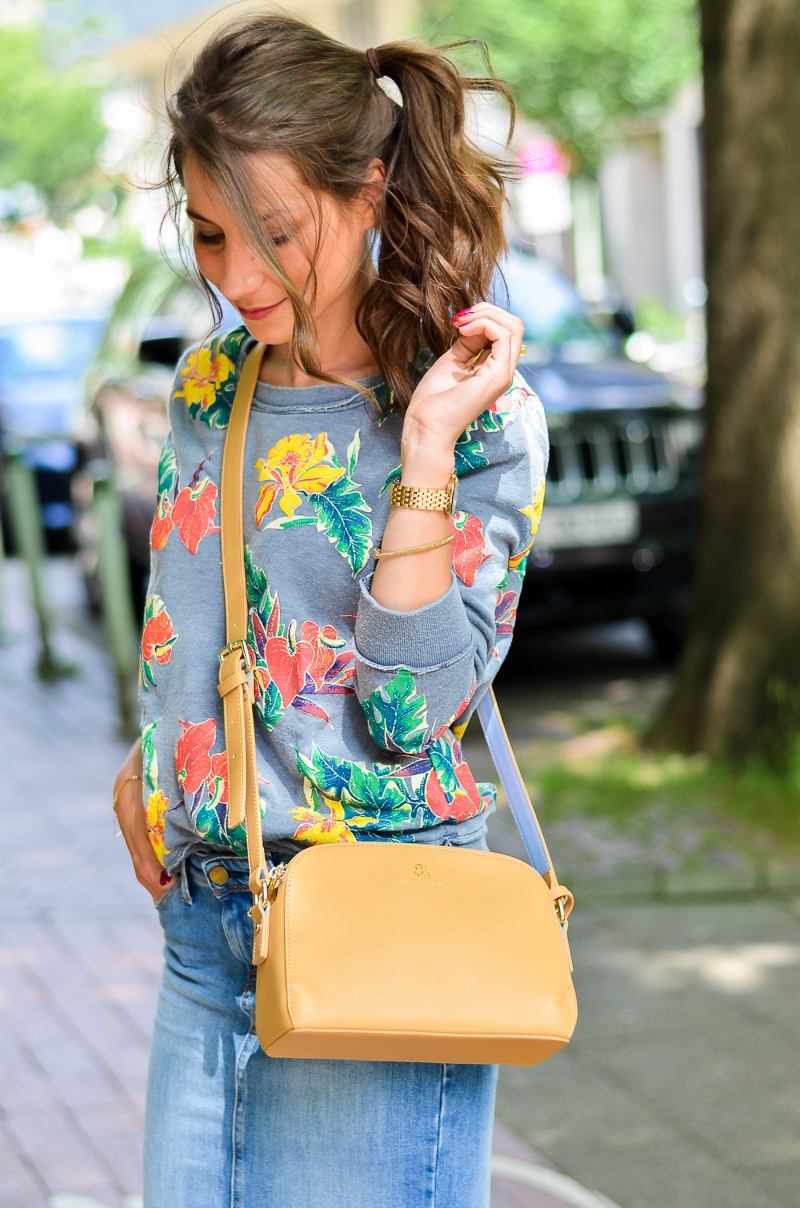 Fashion , Blog , deutsch, Jeansrock , midi , denim, skirt , Sweatshirt , print , billig bi , Sandalen, Wedges , kombinieren , hohe , bequeme , Schuhe , Sommer , Trend , 2016 , Paul and joe sister , tasche , 2