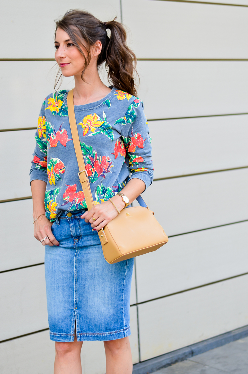 Fashion , Blog , deutsch, Jeansrock , midi , denim, skirt , Sweatshirt , print , billig bi , Sandalen, Wedges , kombinieren , hohe , bequeme , Schuhe , Sommer , Trend , 2016 , Paul and joe sister , tasche , outfit, look , 10