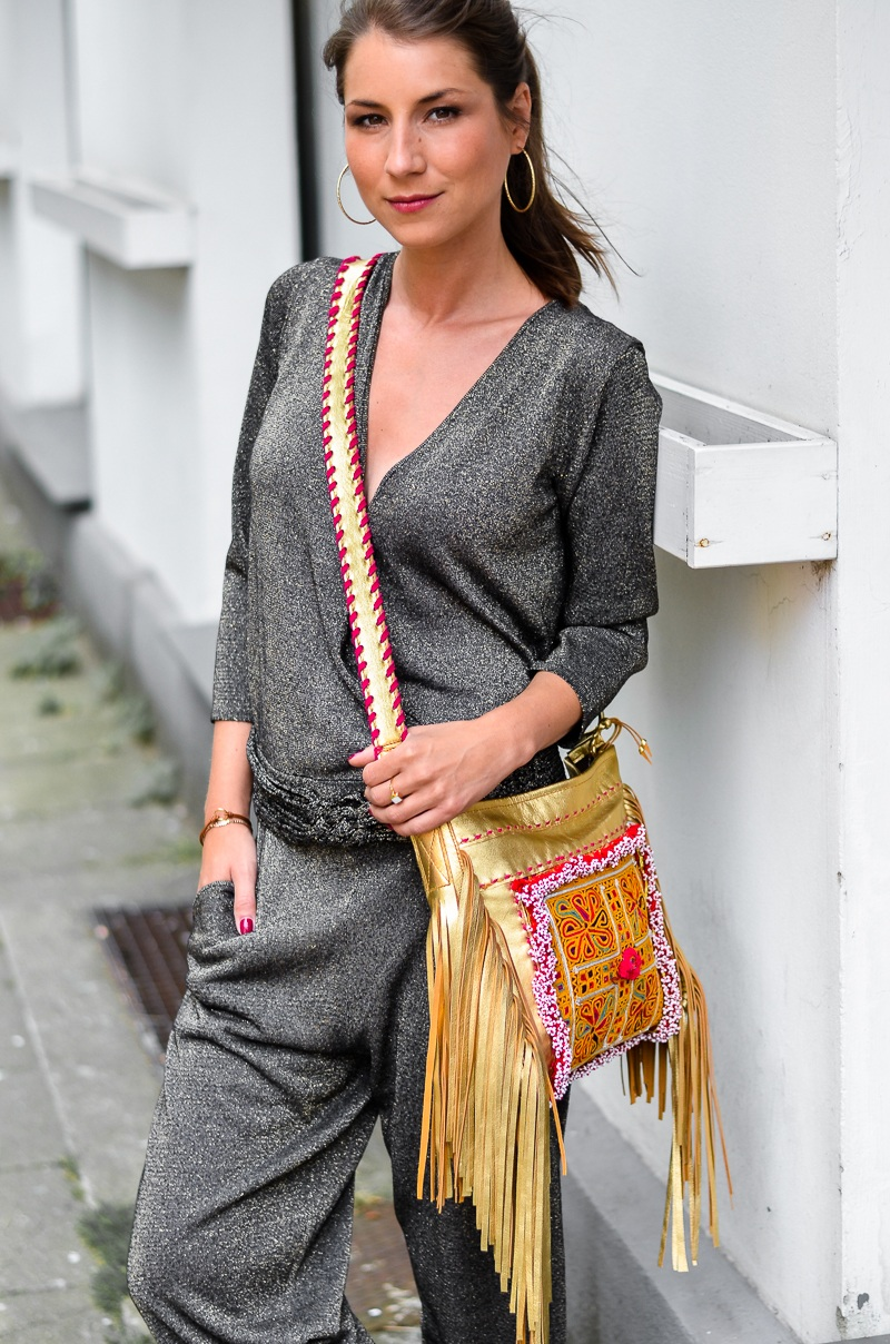 casual , look , outfit , overall , jumpsuit , golden , boho , fringe , bag, fransentasche , 2