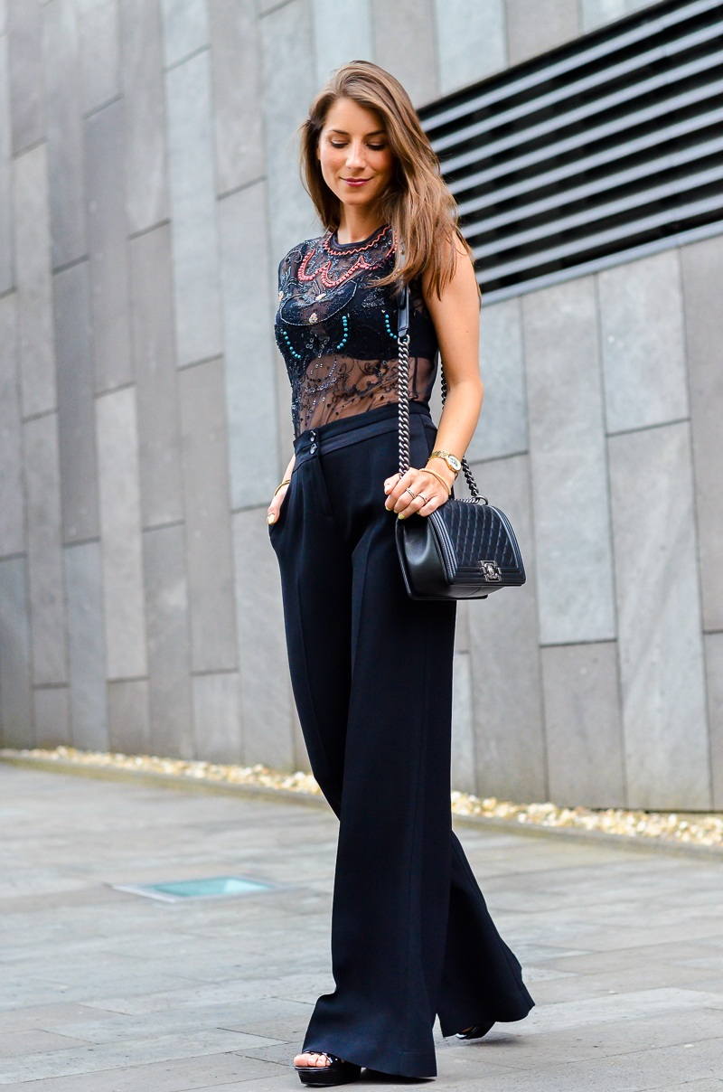 body , black , schwarz , amen , top, palazzo , hose , pants, palazzohose , all black , elegant , evening , look , outfit , blog , chic , all black , saint laurent , tribute , sandal , sandals , patent , leather