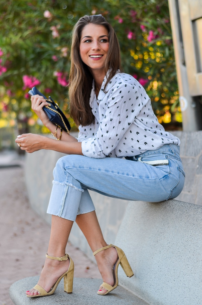 Summer Denim Chic :: Mom Jeans, süsse Bluse & Heels