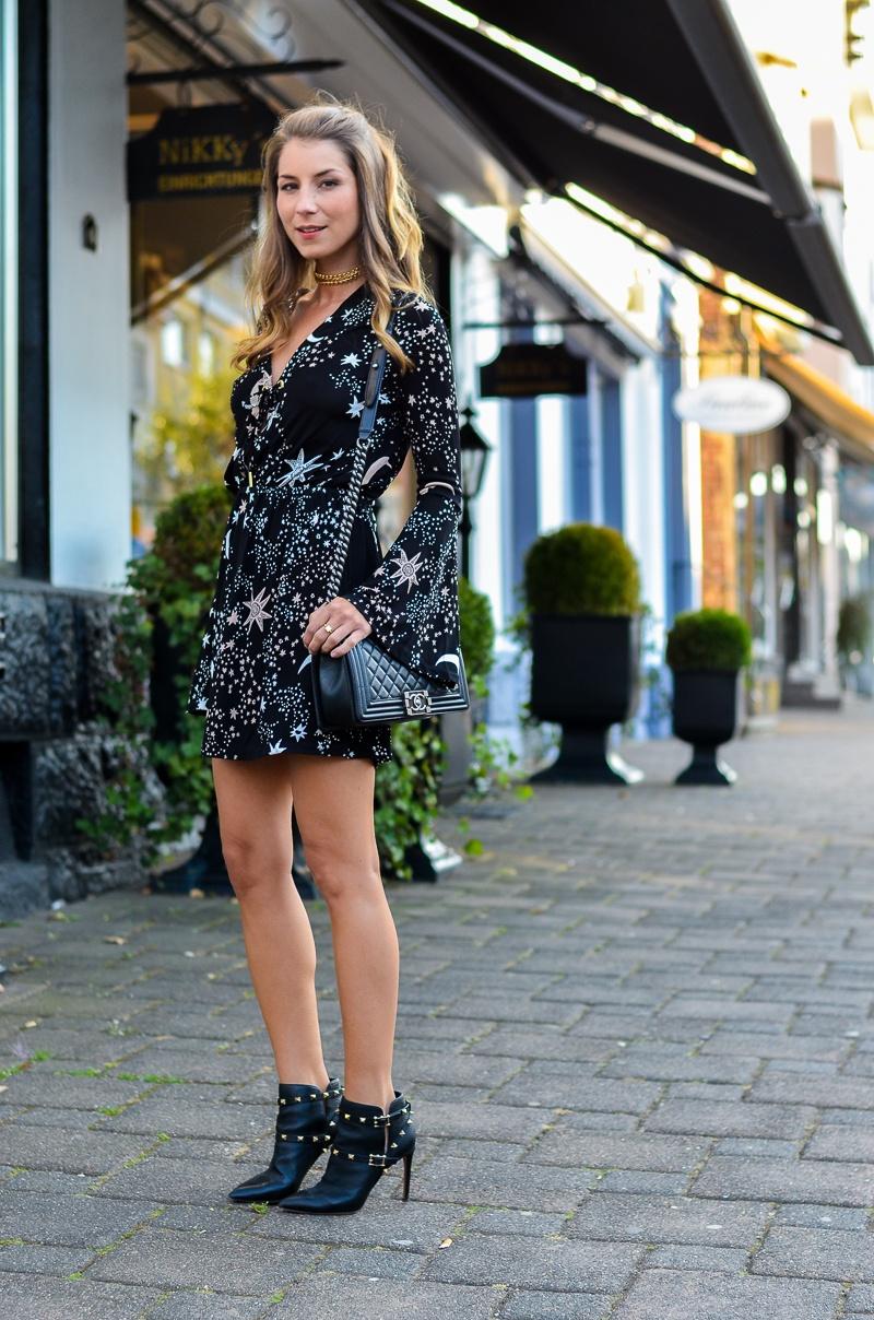 Sonne Mond & Sterne :: Schwarzes Print Dress & Ankle Boots