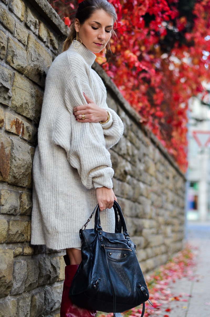 strickkleid layering outfit herbst zara hemdbluse boots