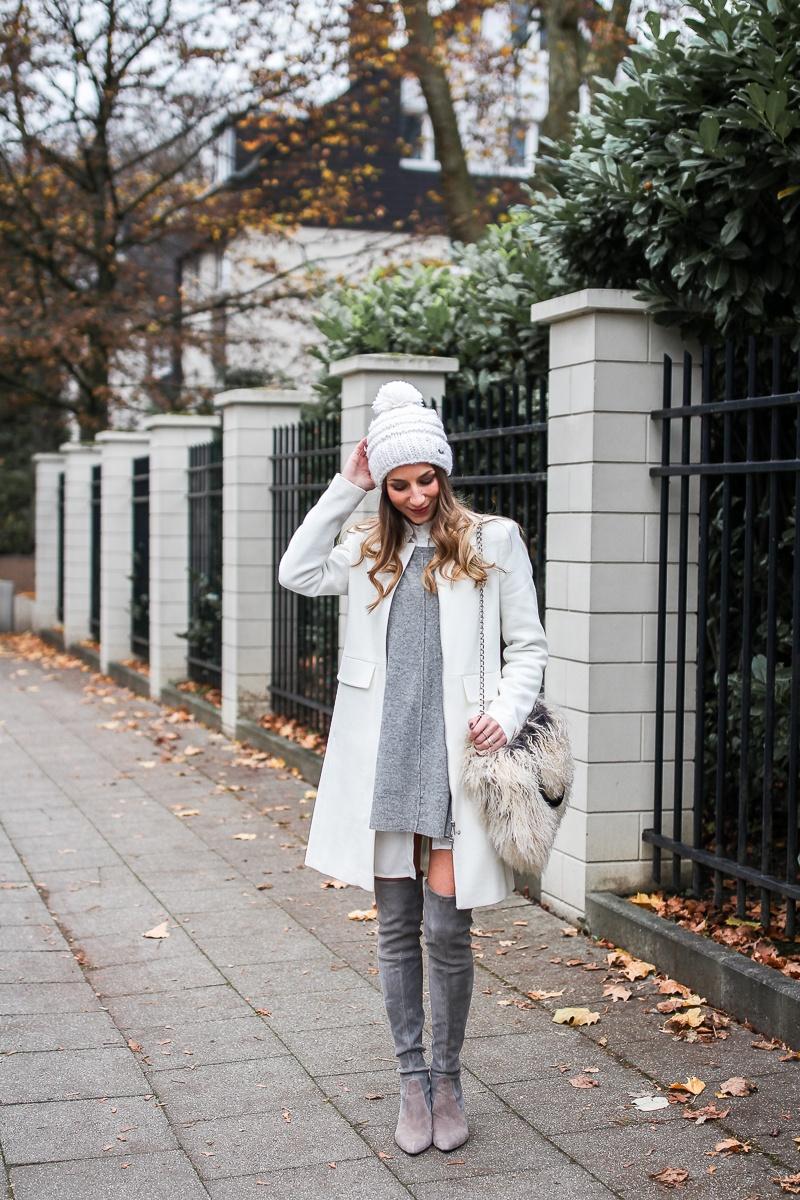 stuart weitzman overknees layering pudelmütze outfit winter