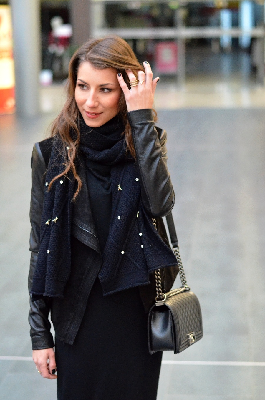 all black winter outfit maxi dress scraf and eatherjacket boots