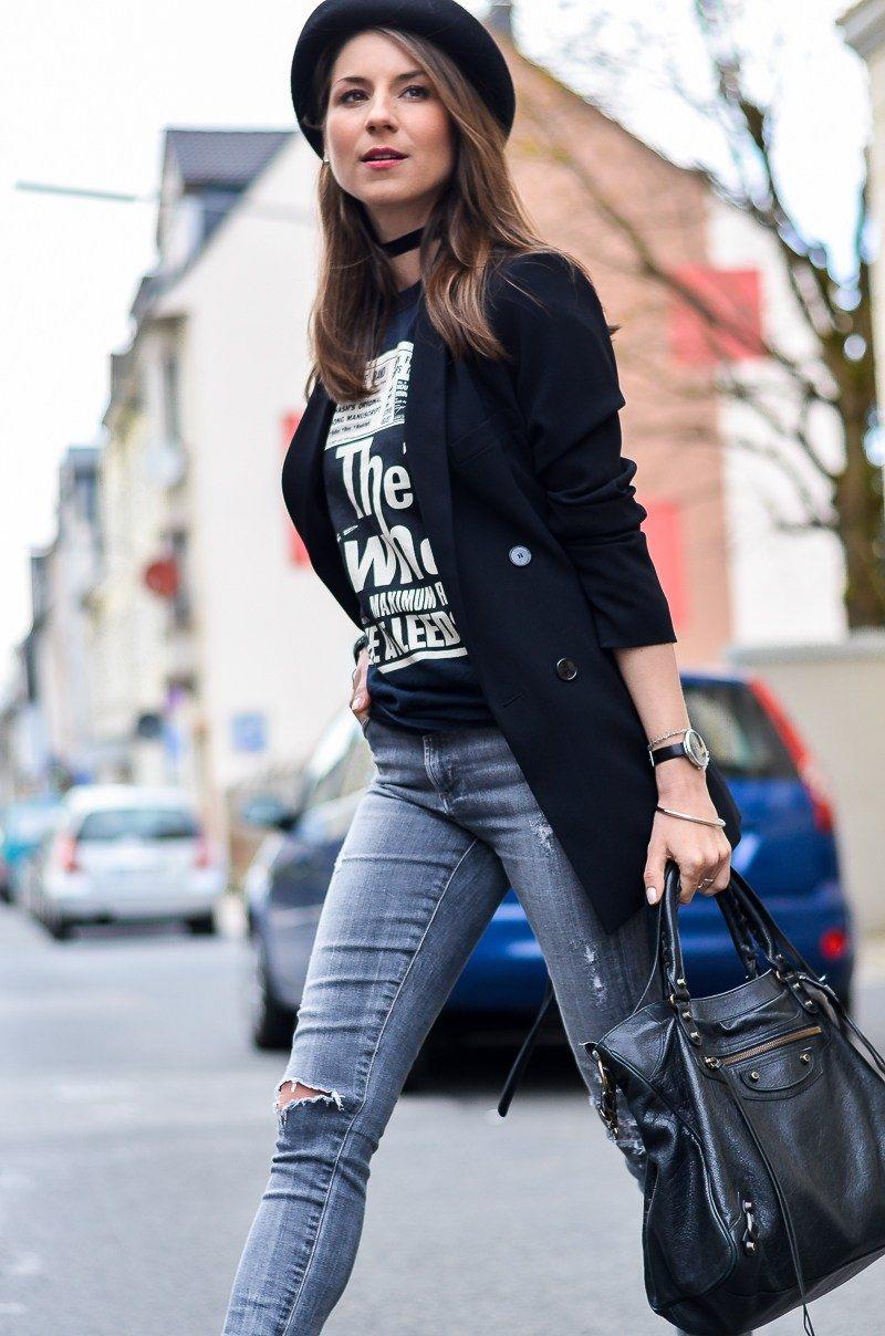 band t-shirt choker velvet blazer skinny jeans casual steet style blog