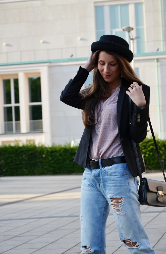 """Outfit: Hose mit Belüftungslöchern oder """"My pretty Boyfriend Jeans"""""""