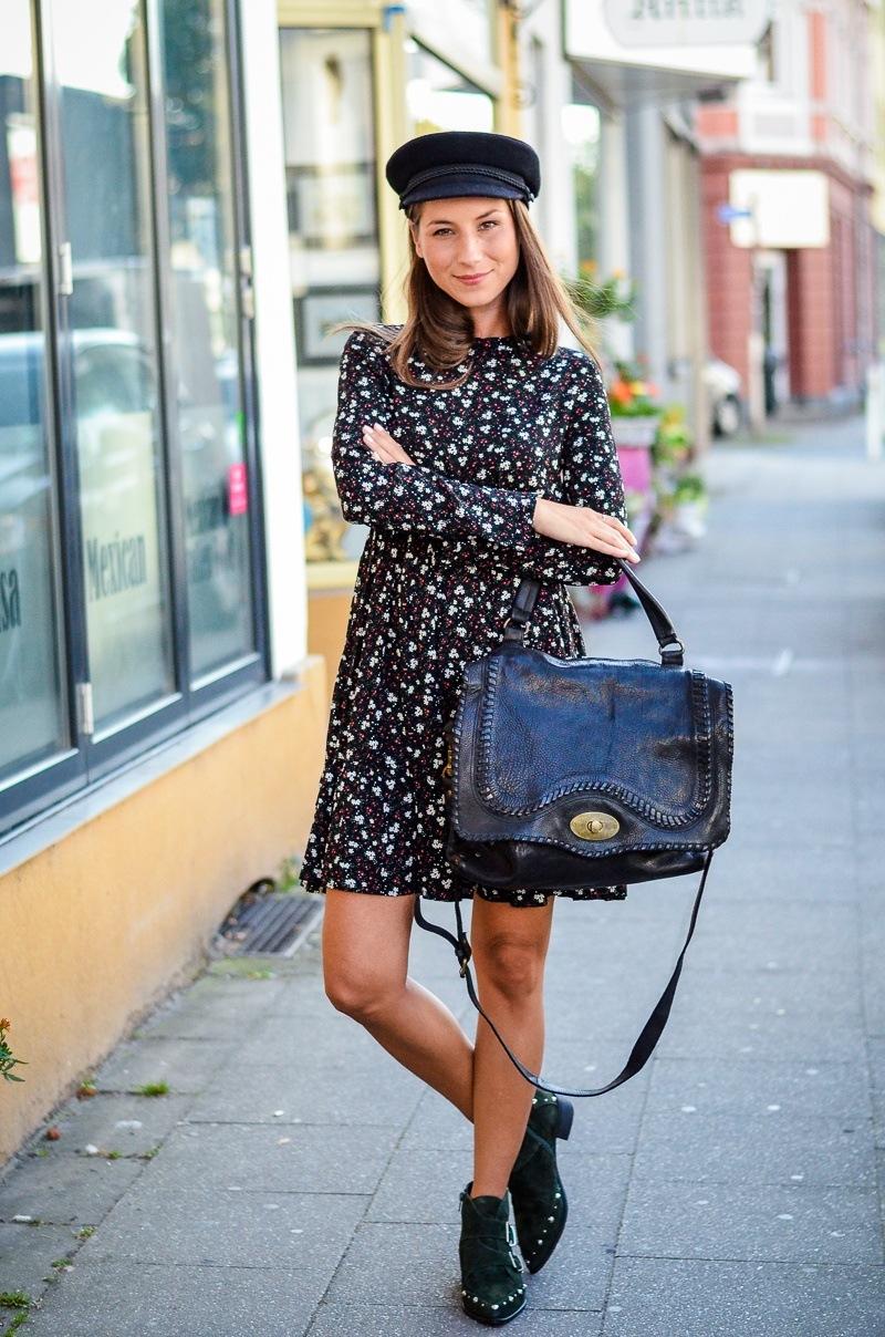 floral dress boots parisienne hat cute outfit fashion blog