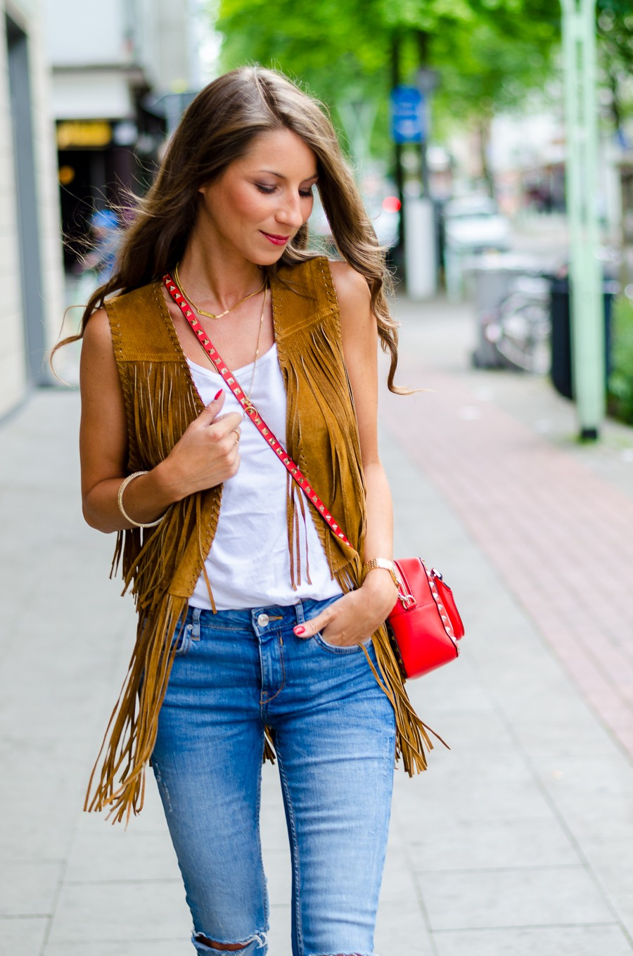 fringe vest how to wear outfit skinny jeans fashion blog