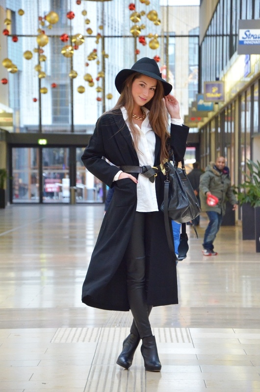 hat white shirt knotted belt leatherpants ankle boots outfit