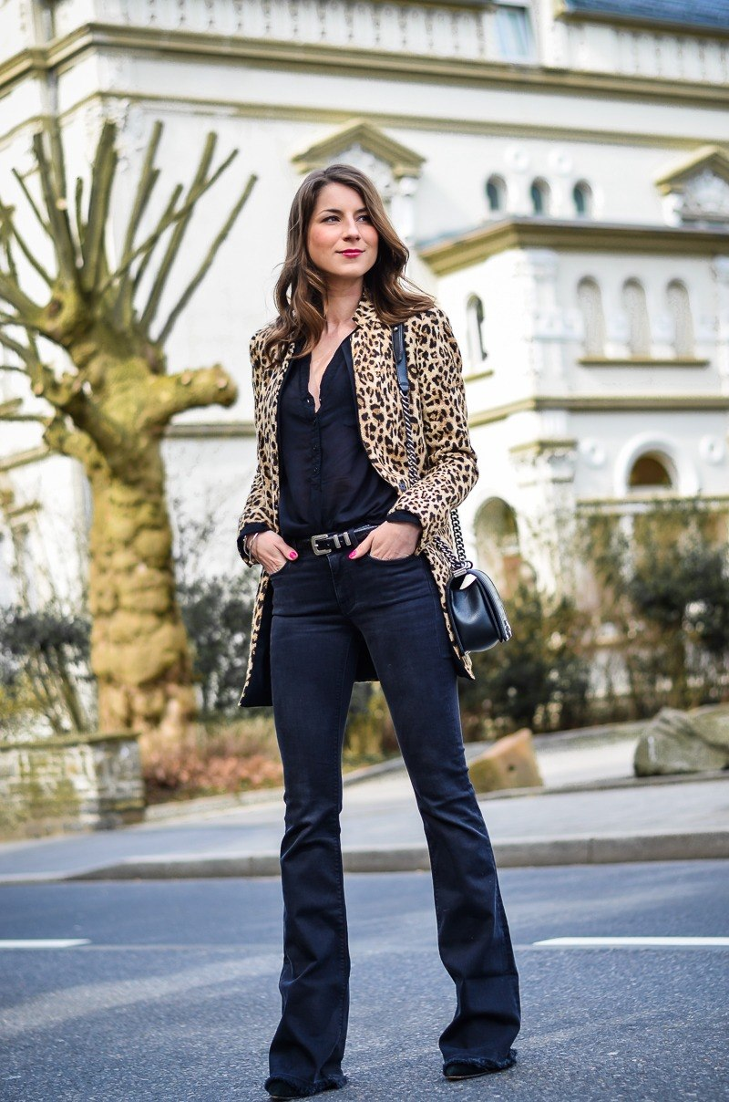 leopard print blazer flared jeans outfit how to wear