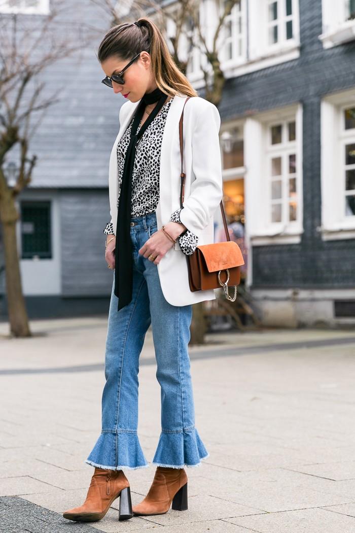 wei er blazer cropped jeans mit volant v j du modeblog aus deutschland fashion blog from. Black Bedroom Furniture Sets. Home Design Ideas