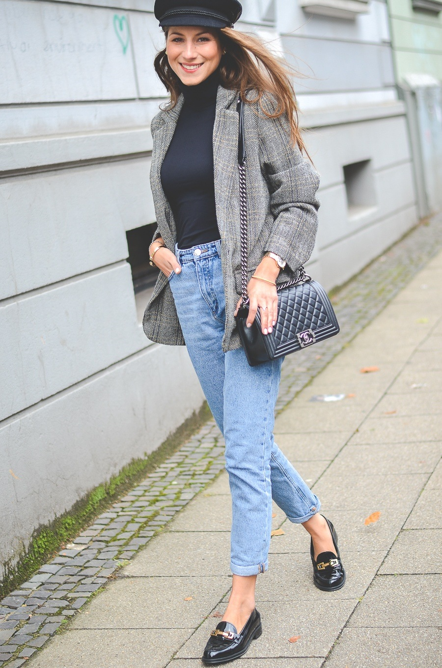 mom jeans loafers hat preppy outfit fashion blogger chanel boy bag oversized blazer