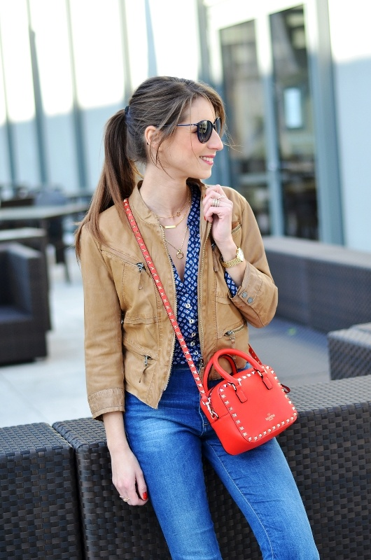 red mini bag valentino rockstud brown leatherjacket flared jeans casual outfits styleblogger