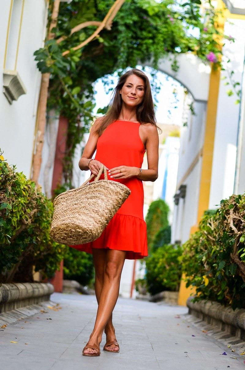 Summer Casual :: Ein rotes Sommerkleid & Korbtasche