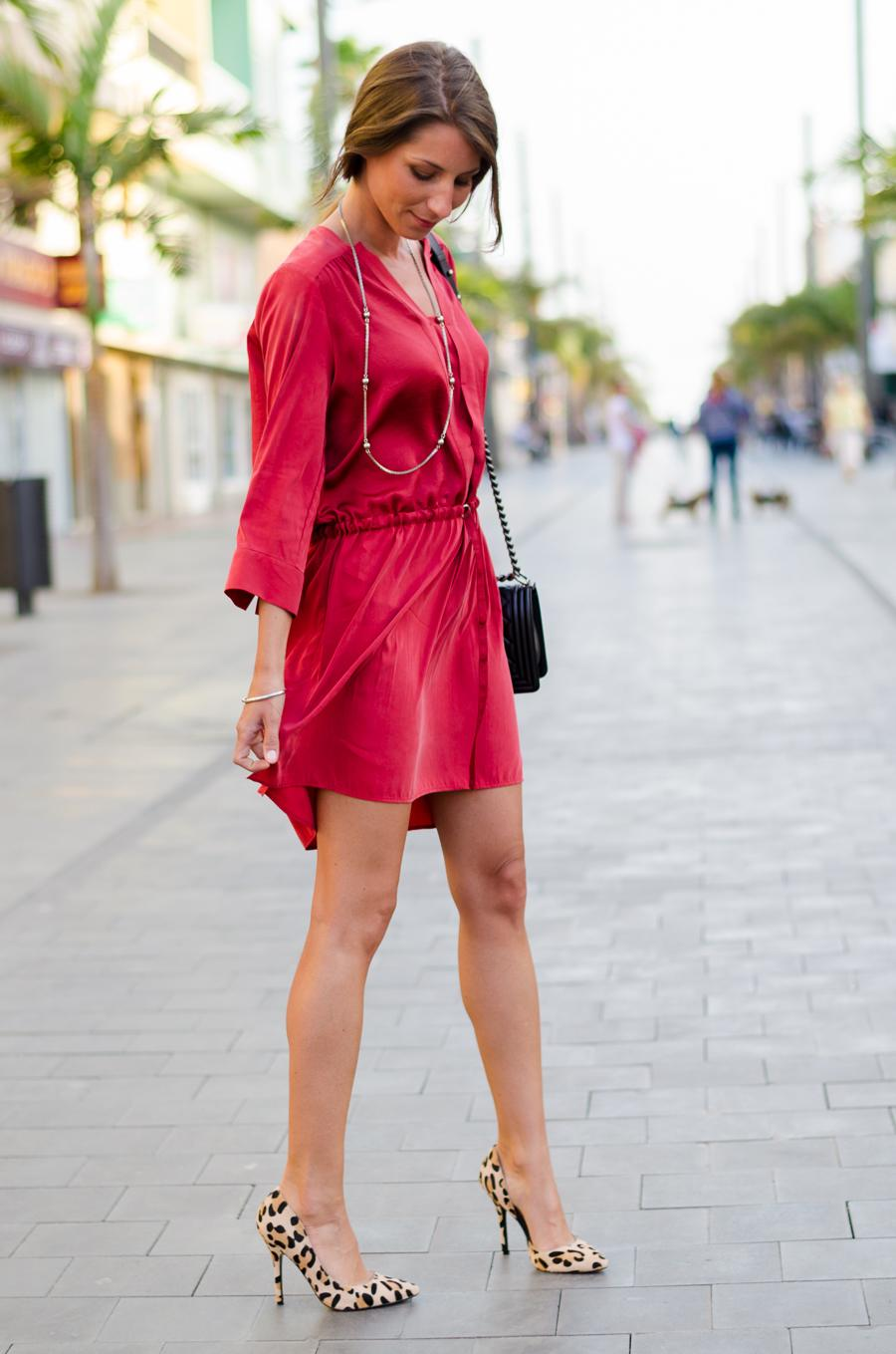 red tunic dress leopard print pumps outfit summer how to wear