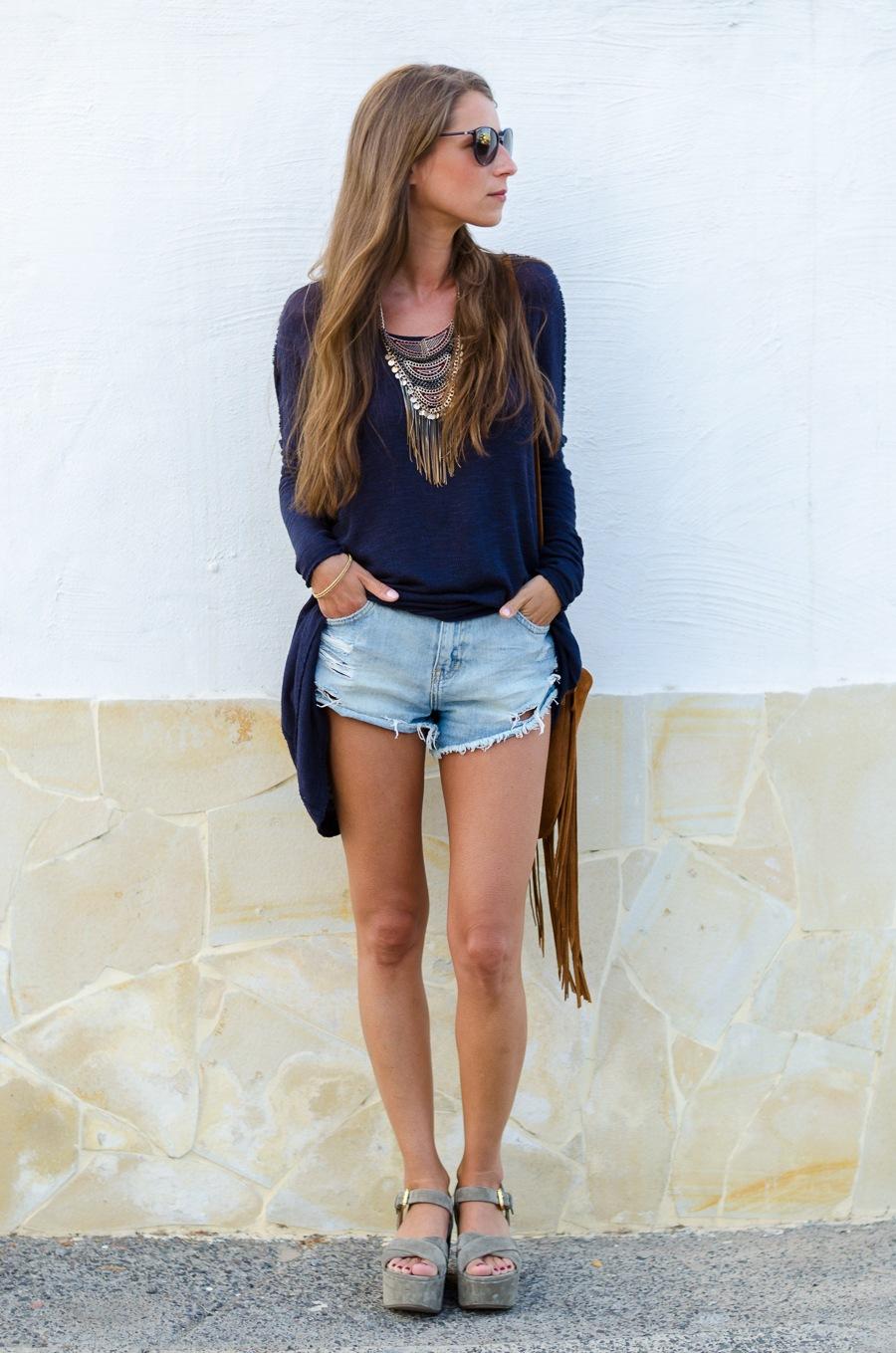statement necklace zara flatforms denim shorts fringe bag outfit casual summer