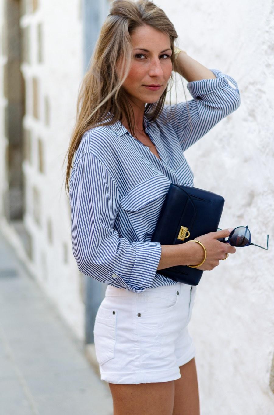 summer outfit bluse mit streifen wei e jeans shorts v j du modeblog aus deutschland. Black Bedroom Furniture Sets. Home Design Ideas