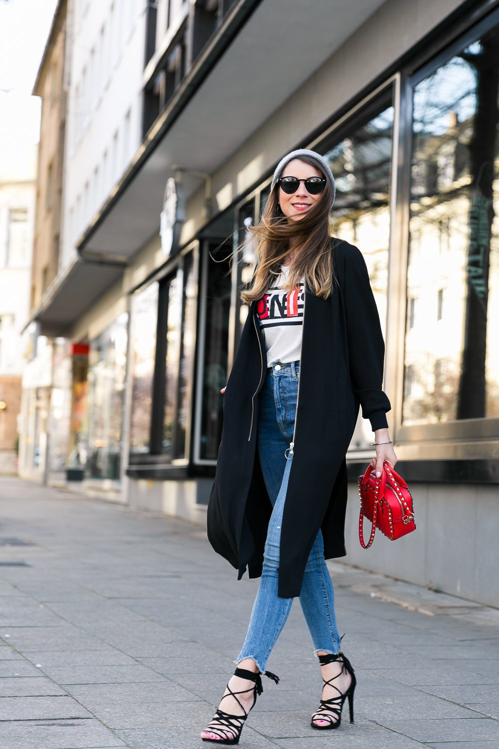 high waist skinny jeans outfit bomber jacket black coat beanie lace-up heels valentino bag t-shirt spring look fashion blogger