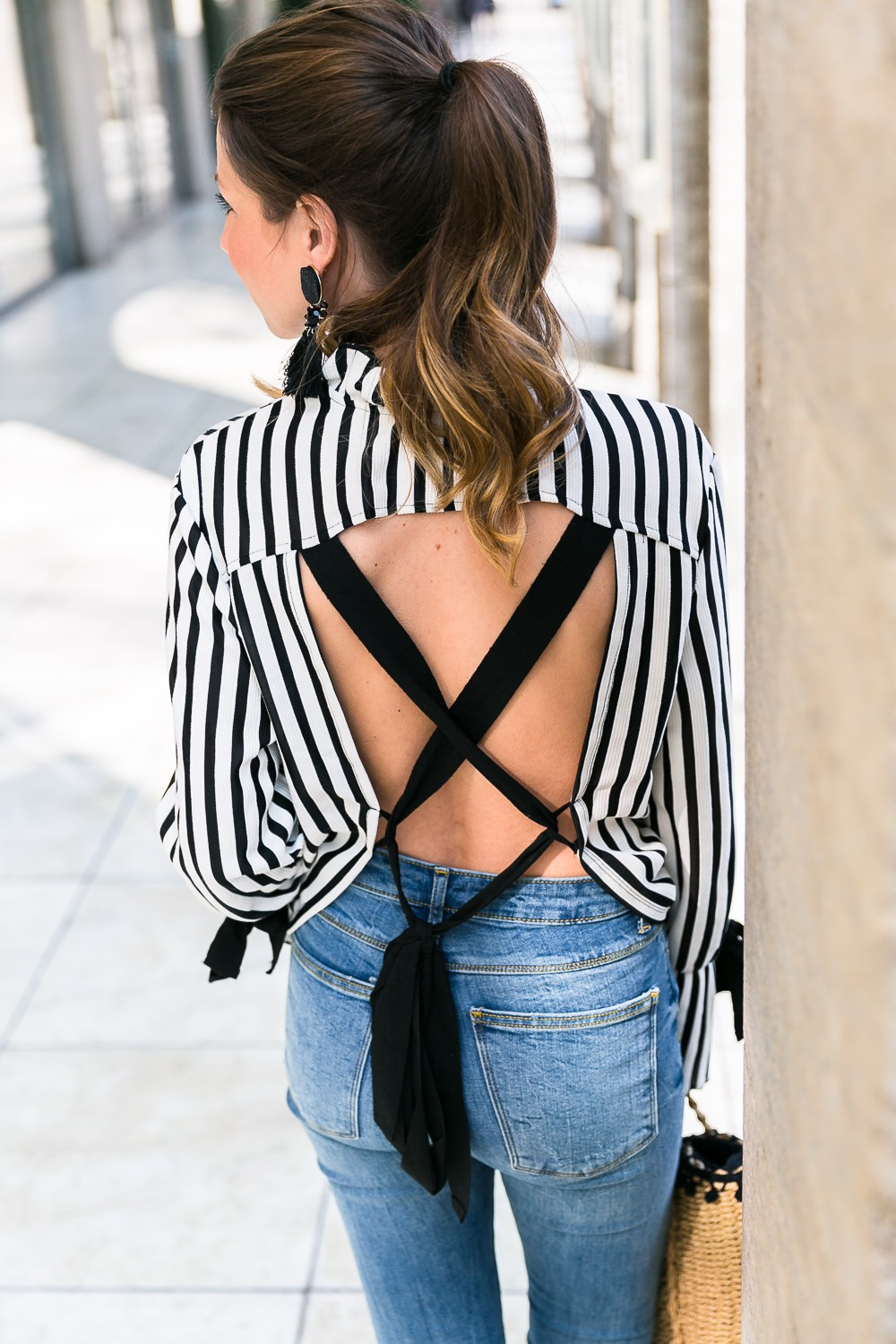 statement sleeves stripes top earrings zara jeans flats basket bag casual chic outfit modeblog 4
