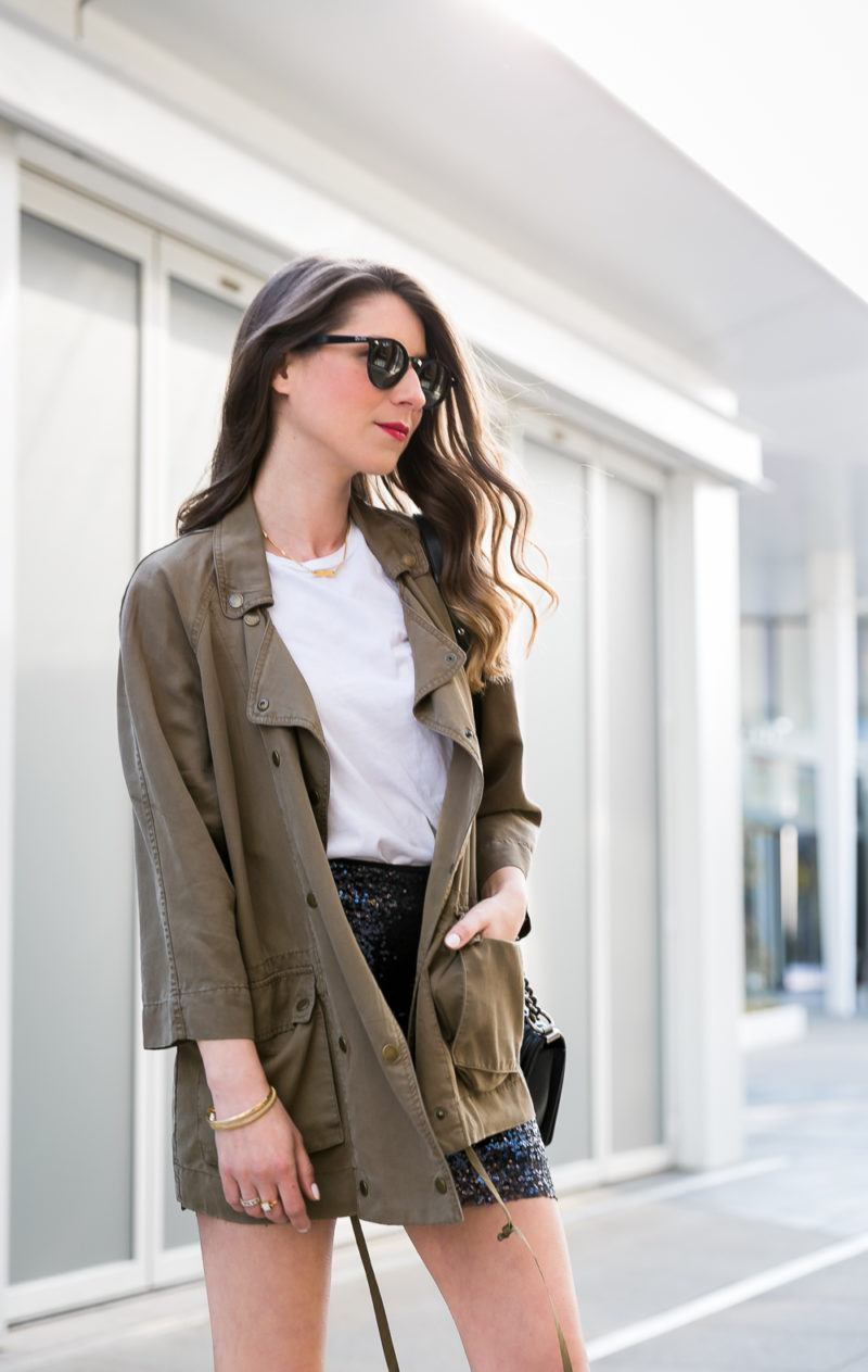 pailletten rock military jacke parka outfit inspiration