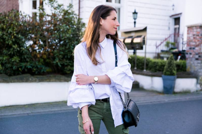 cargo pants statement sleeves outfit flats fashion blog veja du