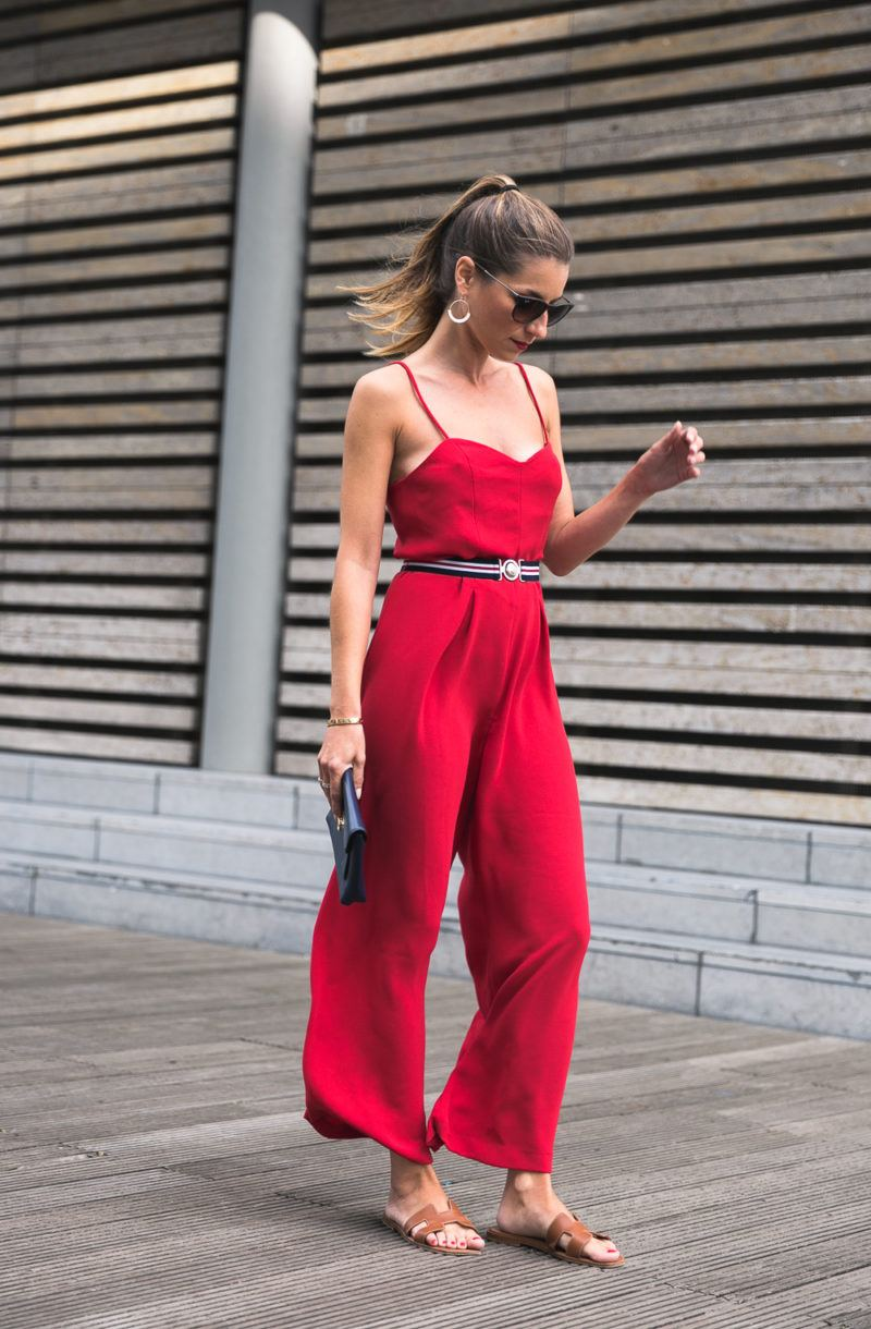 red jumpsuit claudie pierlot summer look onesie overall fashionblogs outfit inspiration veja du