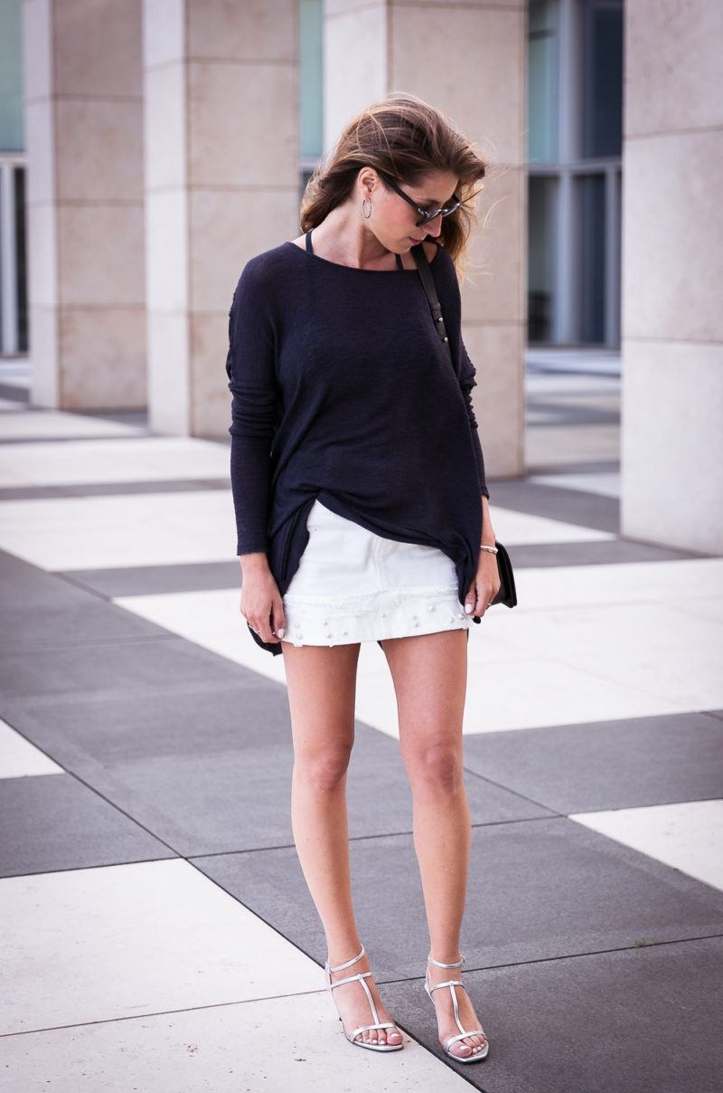 white skirt pearls blue top silver sandals zara chanel boy bag chic summer outfit