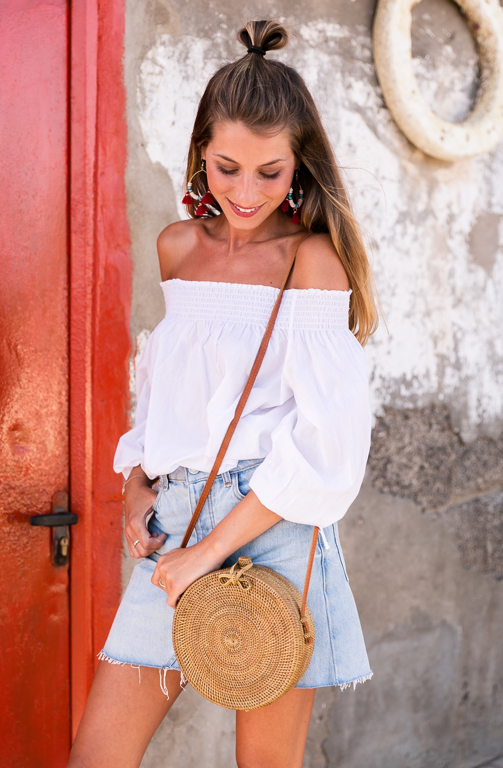 red shoes outfit jeans skirt denim off the shoulder top straw bag summerlook fashionblog 1
