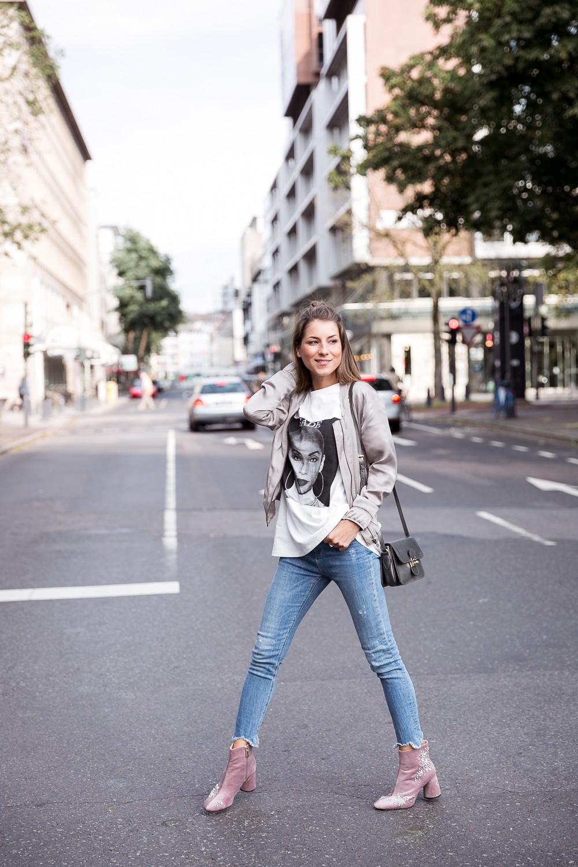 velvet boots purple zara streetstyle bomberjacket skinny jeans shirt outfit autumn 2017