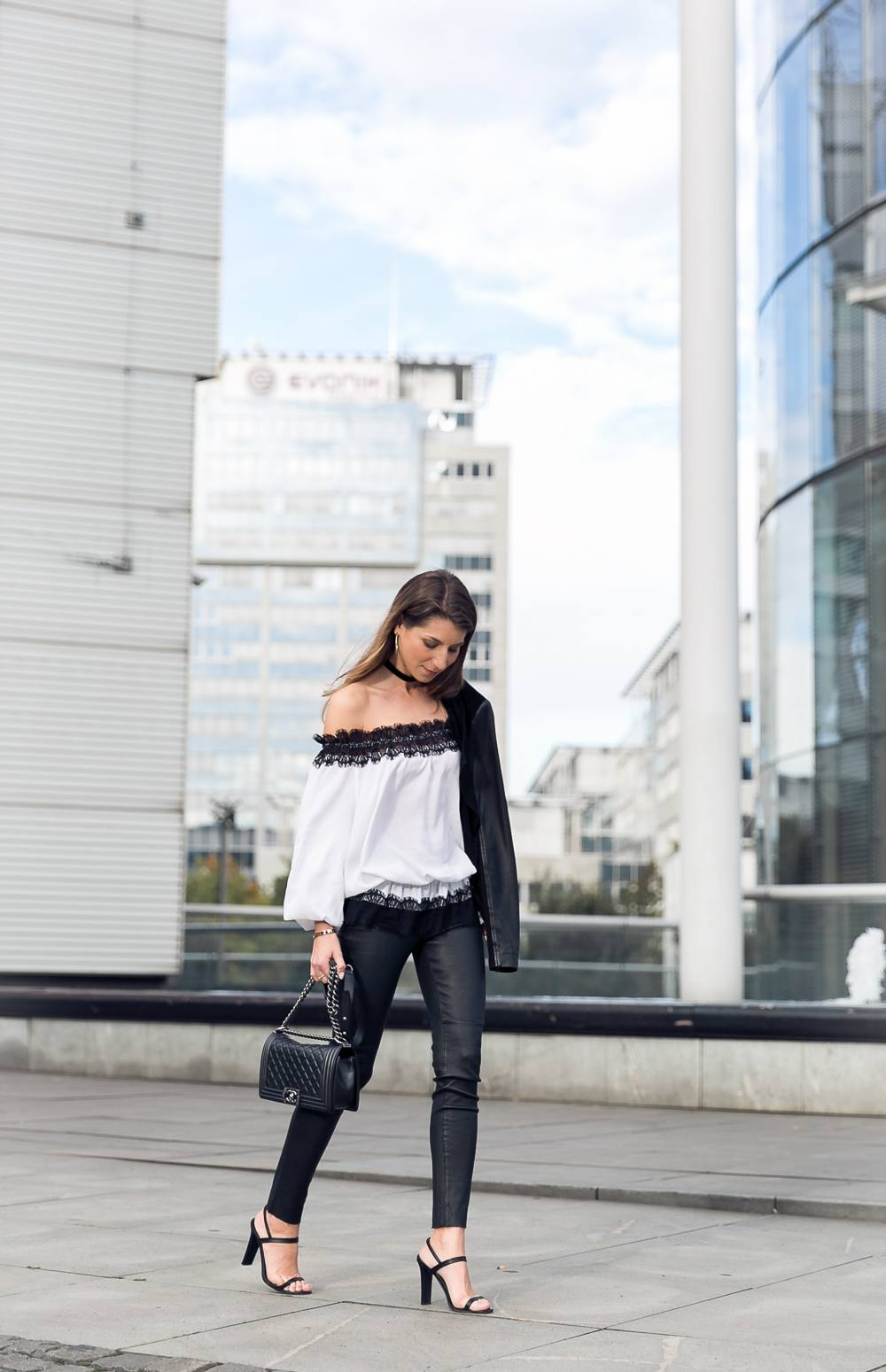evening outfit off shoulder top white lace leather pants heels inspiration fashion blog essen ruhrgebiet