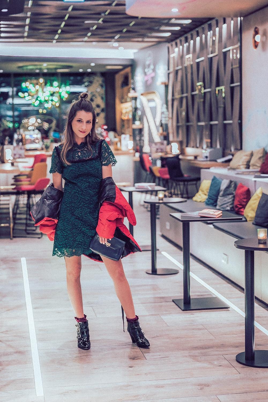 lace dress puffer jacket fashion week 2018 mercure berlin hotel wittenbergplatz